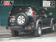 Ford Everest OVERFENDER FORD EVEREST