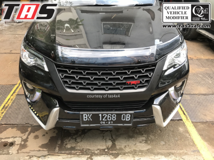 FOGLAMP GRILL DEPAN TRD ALL NEW FORTUNER 1 ezywatermark17051301430656